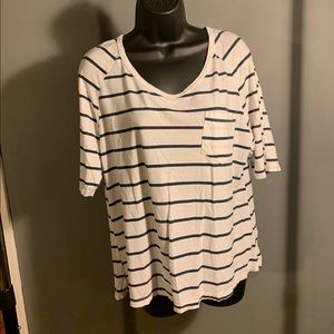 like new Brandy Melville white striped top 6/$14